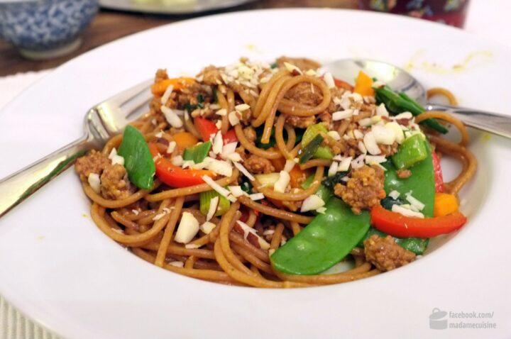 Wok-Nudeln mit Hackfleisch | Madame Cuisine