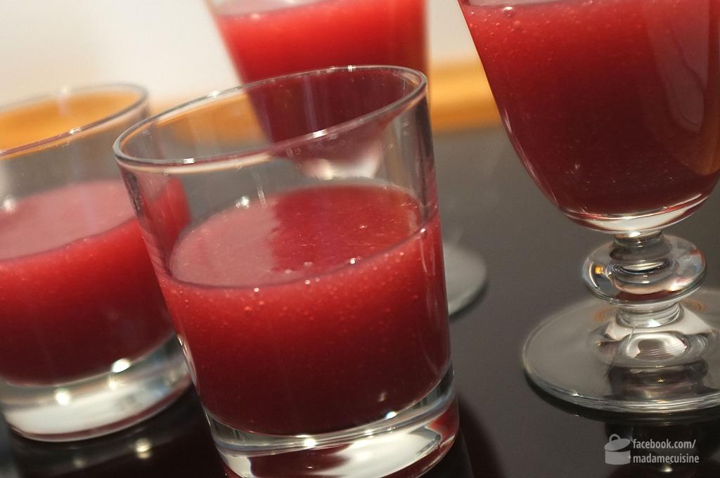 Rhabarber-Rotwein-Creme mit Zimtsahne | Madame Cuisine Rezept