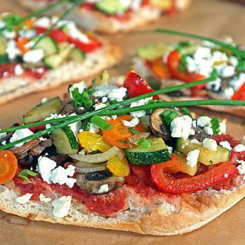 Fladenbrot-Pizza mit Sommergemüse | Madame Cuisine