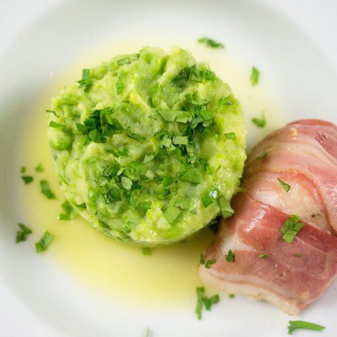 Seeteufel-Saltimbocca an Erbsen-Kartoffelstampf mit Koriander und Zitronenbutter | Madame Cuisine