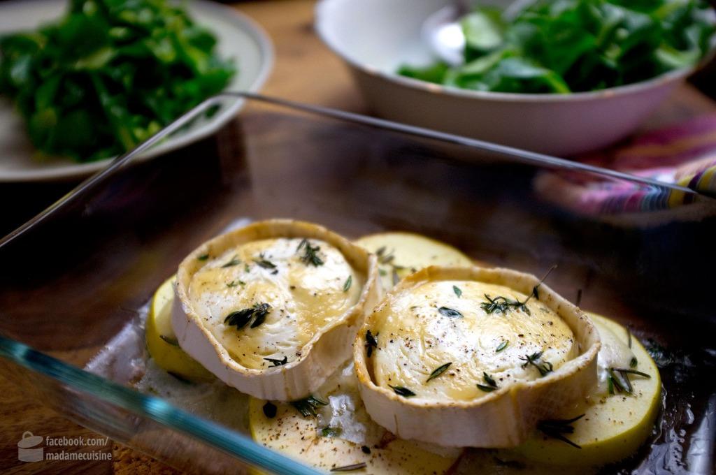 Gratinierter Ziegenkäse auf Apfelspalten an Feldsalat | Madame Cuisine Rezept