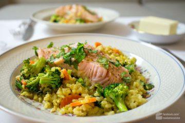 Fusion Kitchen: Camargue-Reis mit Wok-Gemüse und Lachsfilets | Madame Cuisine