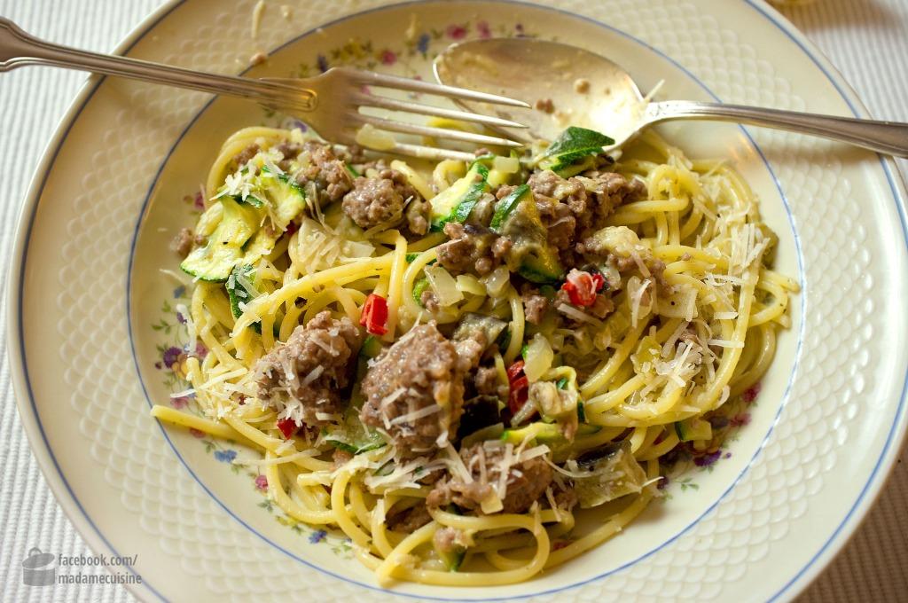 Pasta Mit Zucchini Auberginen Hackfleisch Madame Cuisine