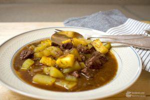 Gulasch mit Ananas (Gulasch Hawaii) | Madame Cuisine