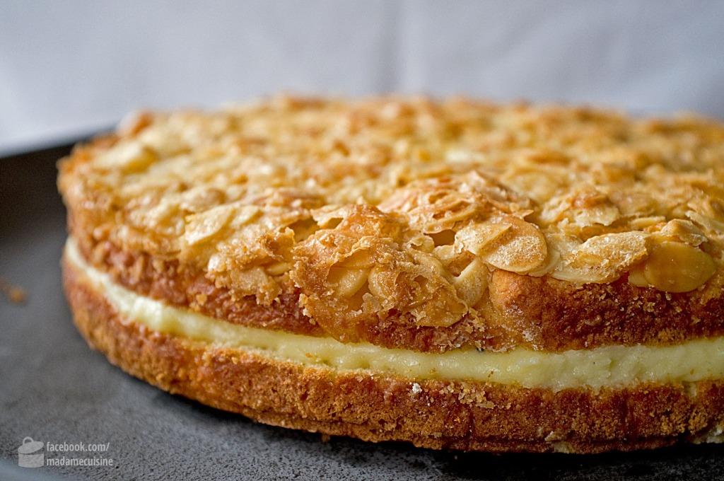 Bienenstich Gefüllt Mit Puddingcreme Madame Cuisine