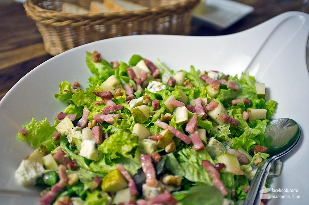 Grüne Blattsalate mit Gorgonzola, Birne und Speck | Madame Cuisine Rezept