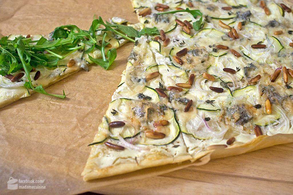 Flammkuchen mit Zucchini & Gorgonzola | Madame Cuisine Rezept