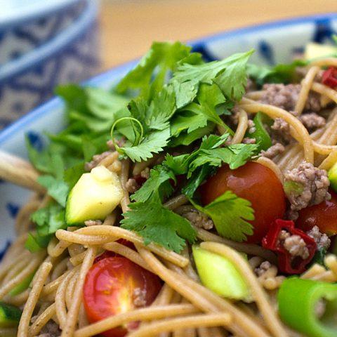 Warmer Asiatischer Nudelsalat | Madame Cuisine