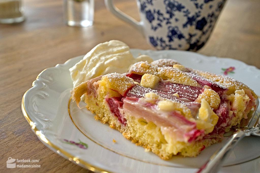 Rhabarberkuchen Mit Weisser Schokolade Madame Cuisine