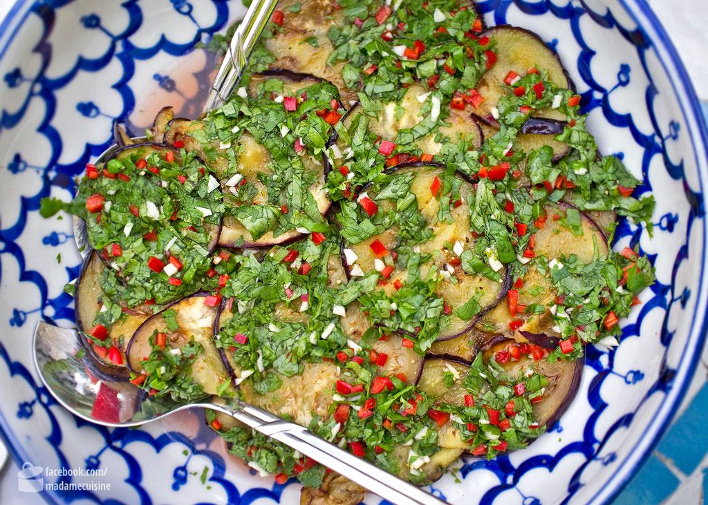 Auberginensalat mit Chili & Koriander | Madame Cuisine