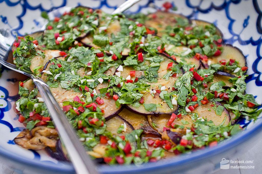 Auberginensalat mit Chili & Koriander | Madame Cuisine Rezept