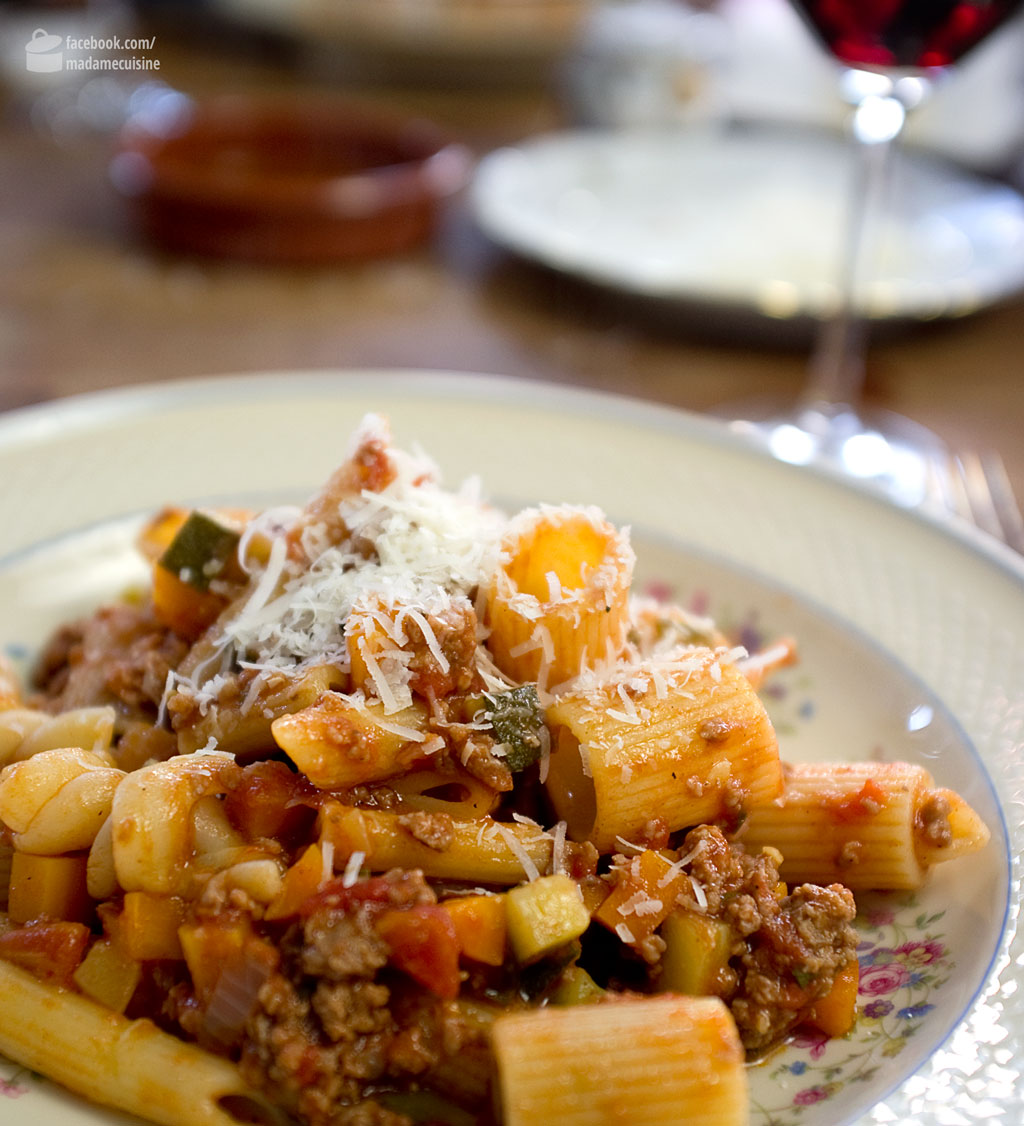 Pasta al Ragù mit viel Gemüse | Madame Cuisine Rezept