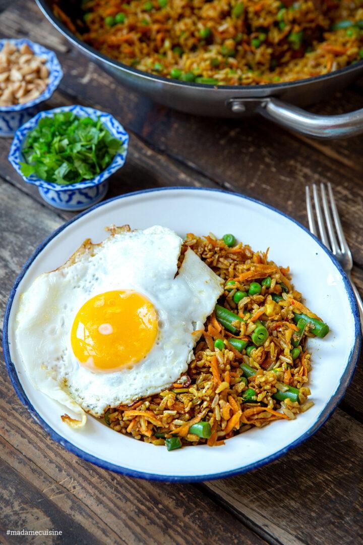 Nasi Goreng (Indonesische Reispfanne) | Madame Cuisine Rezept