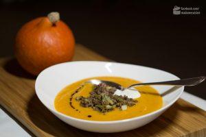 Kürbiscremesuppe mit Hackfleisch | Madame Cuisine