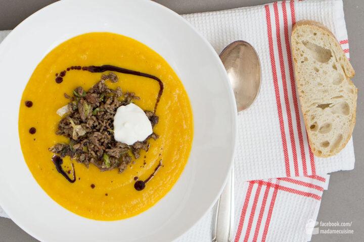 Kürbiscremesuppe mit Hackfleisch | Madame Cuisine Rezept