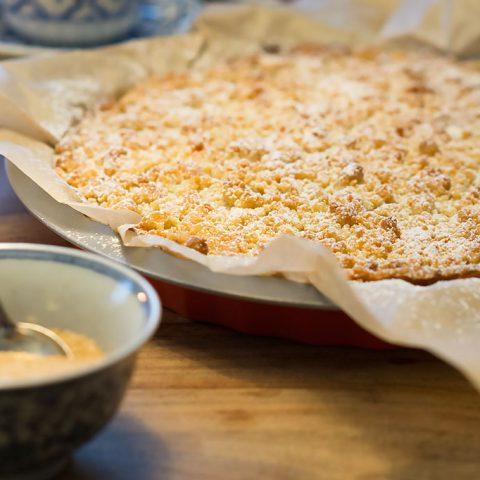Apfel-Zimt-Tarte mit Marzipan-Streuseln | Madame Cuisine