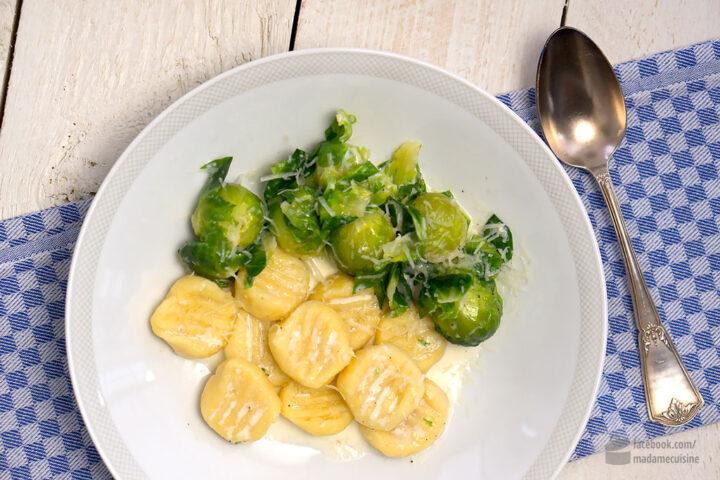 Gnocchi mit Rosenkohl | Madame Cuisine