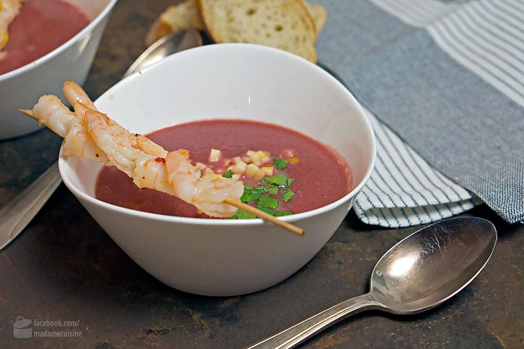 Rote-Bete-Suppe mit Garnelenspieß | Madame Cuisine Rezept