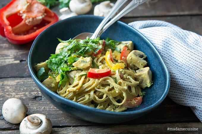 Curry-Nudeln mit Tofu (vegetarisch) | Madame Cuisine Rezept