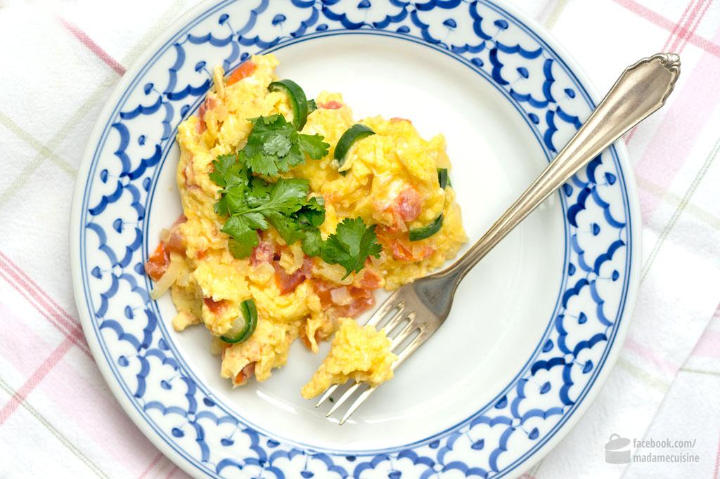 Rührei mexikanisch (Huevos Mexicanos) | Madame Cuisine Rezept