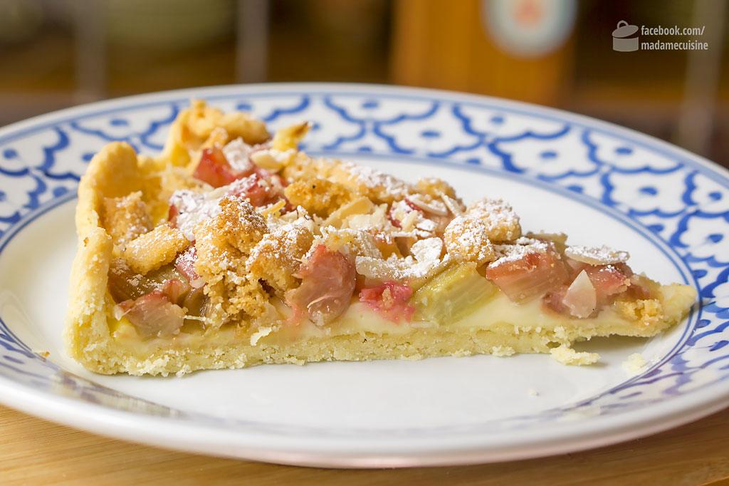 Rhabarber-Tarte mit Mandelstreuseln | Madame Cuisine Rezept