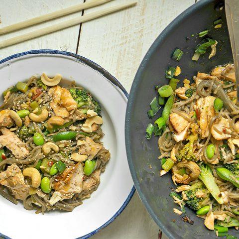 Soba-Nudeln mit Edamame und Lachs | Madame Cuisine