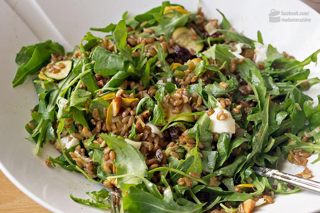Dinkelsalat mit Zucchini & Rucola | Madame Cuisine Rezept