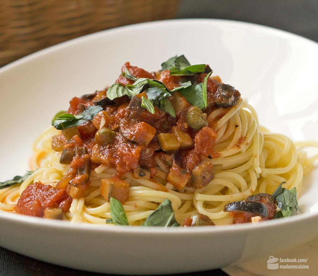 Spaghetti alla Puttanesca: Bella Italia! | Madame Cuisine Rezept