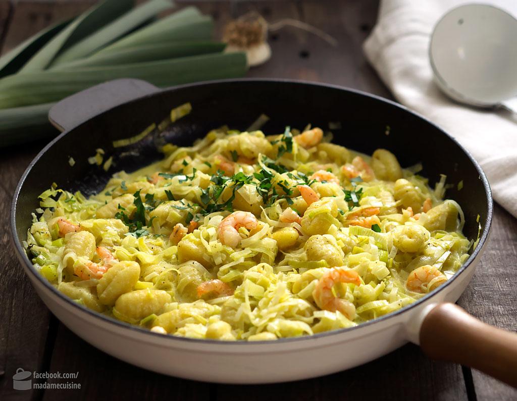 Gnocchi-Lauch-Pfanne mit Curry & Garnelen | Madame Cuisine Rezept