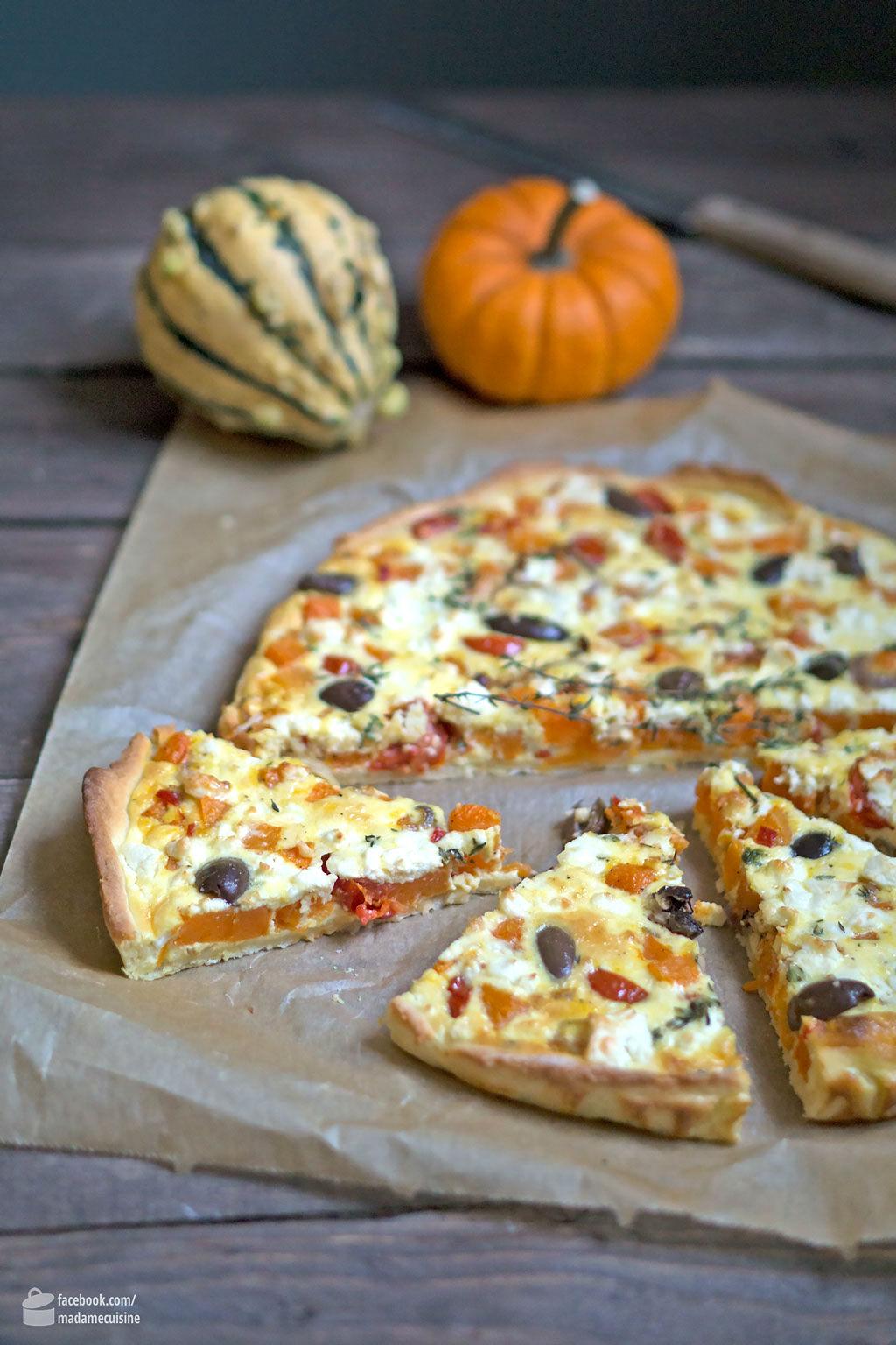 Herzhafte Kürbis-Tarte mit Tomaten und Oliven | Madame Cuisine Rezept