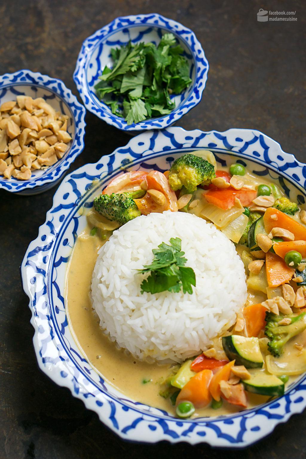 gelbes thai curry mit erdnussbutter madame cuisine. Black Bedroom Furniture Sets. Home Design Ideas