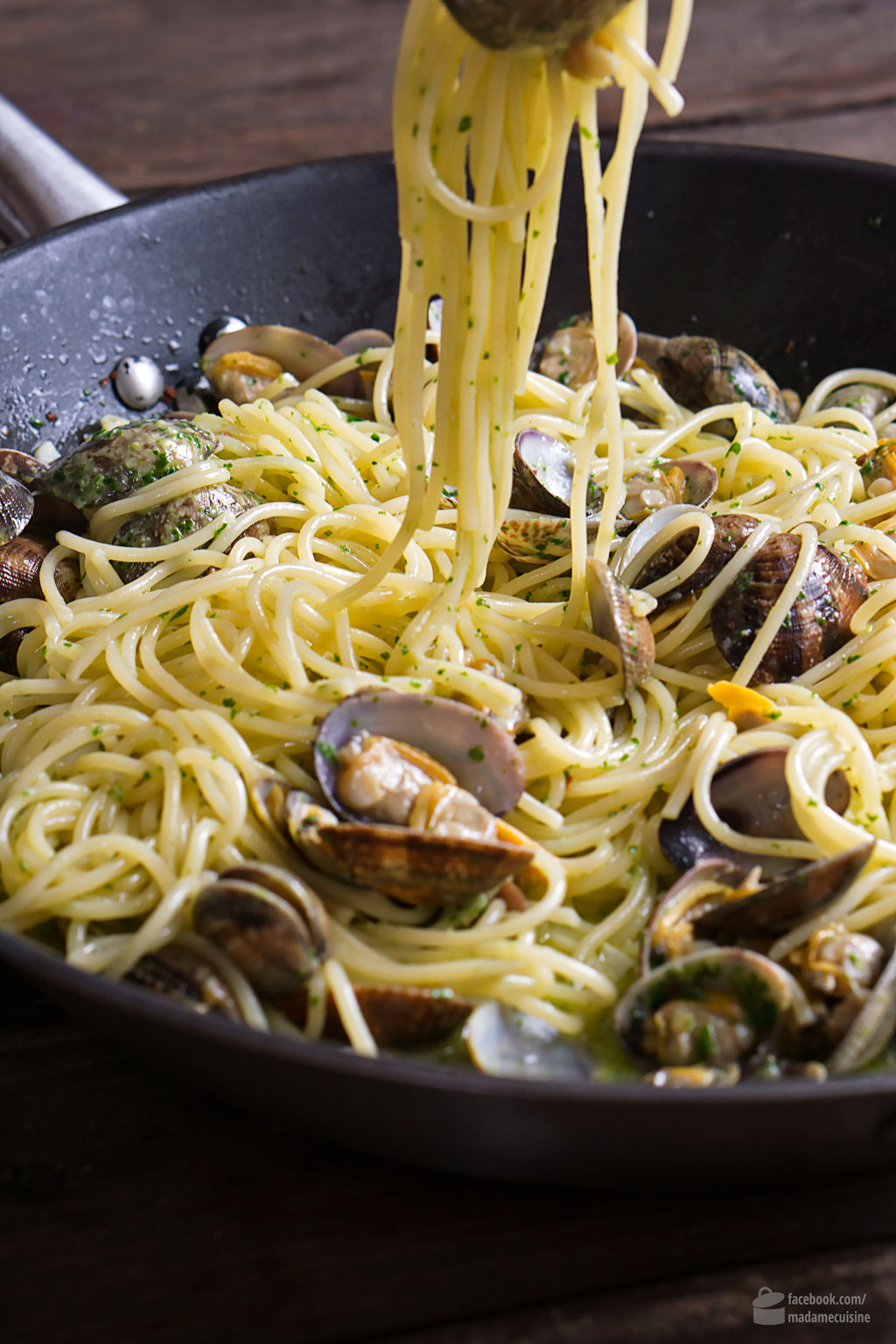 Spaghetti Vongole mit Petersilien-Pesto | Madame Cuisine Rezept