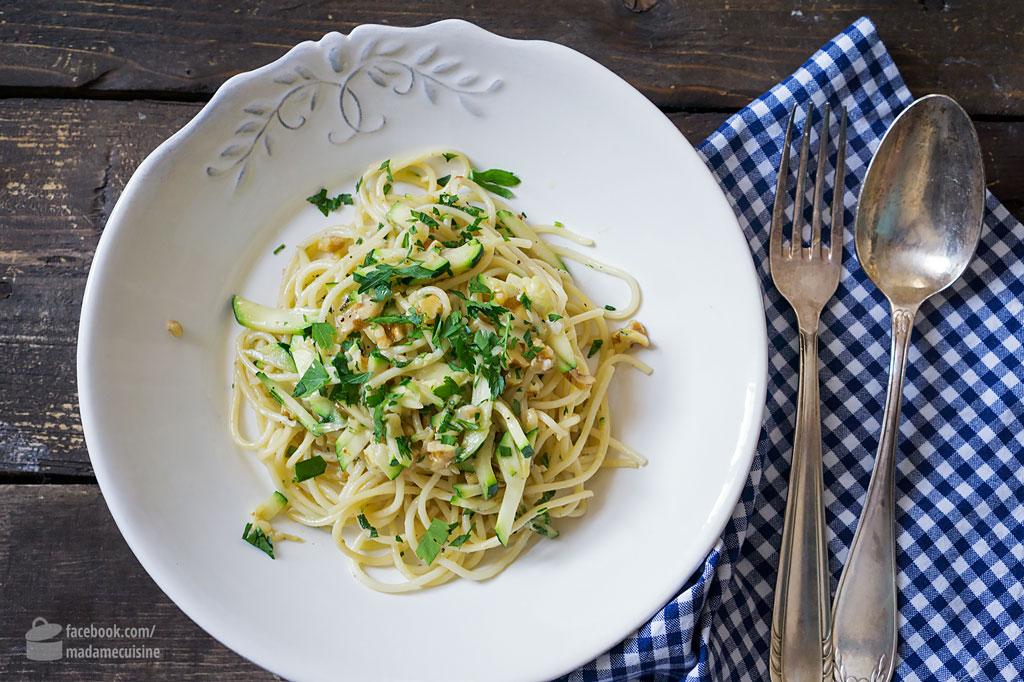 Pasta mit Zucchini und Walnüssen | Madame Cuisine Rezept