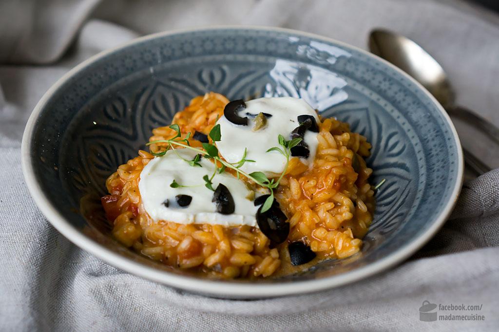 Tomaten-Risotto mit Oliven und Mozzarella | Madame Cuisine Rezept