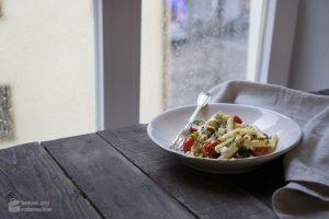 Lauwarmer Pasta-Salat