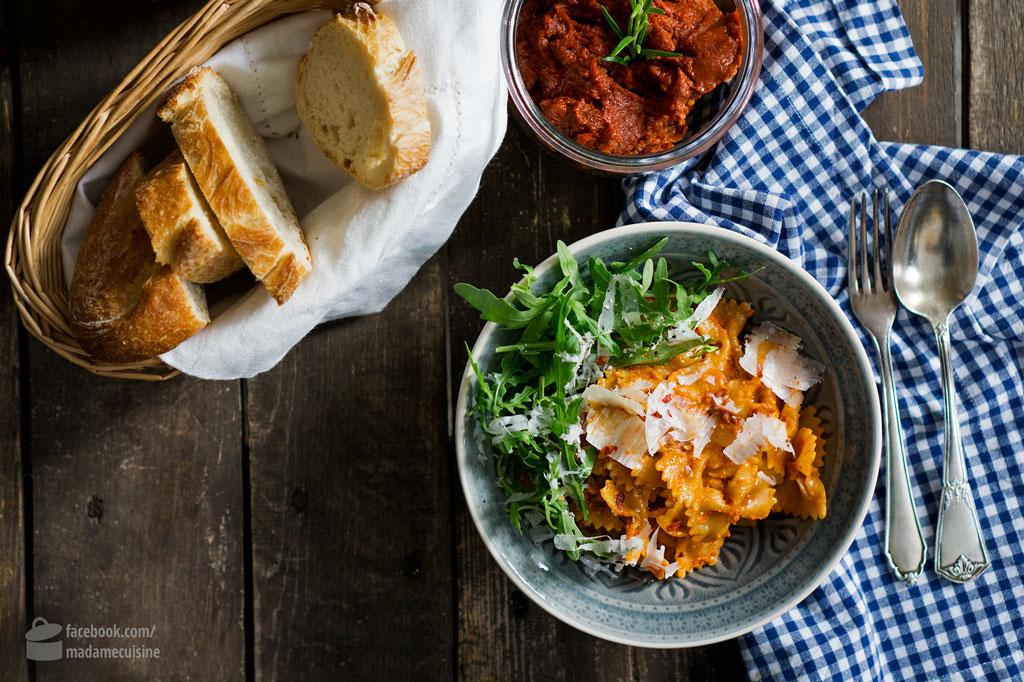 Farfalle mit Tomaten-Pesto und Rucola | Madame Cuisine Rezept