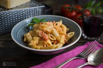 Pasta mit Tomaten
