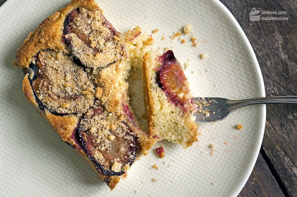 Zwetschgenkuchen mit Zwiebackbröseln & Zimt | Madame Cuisine Rezept