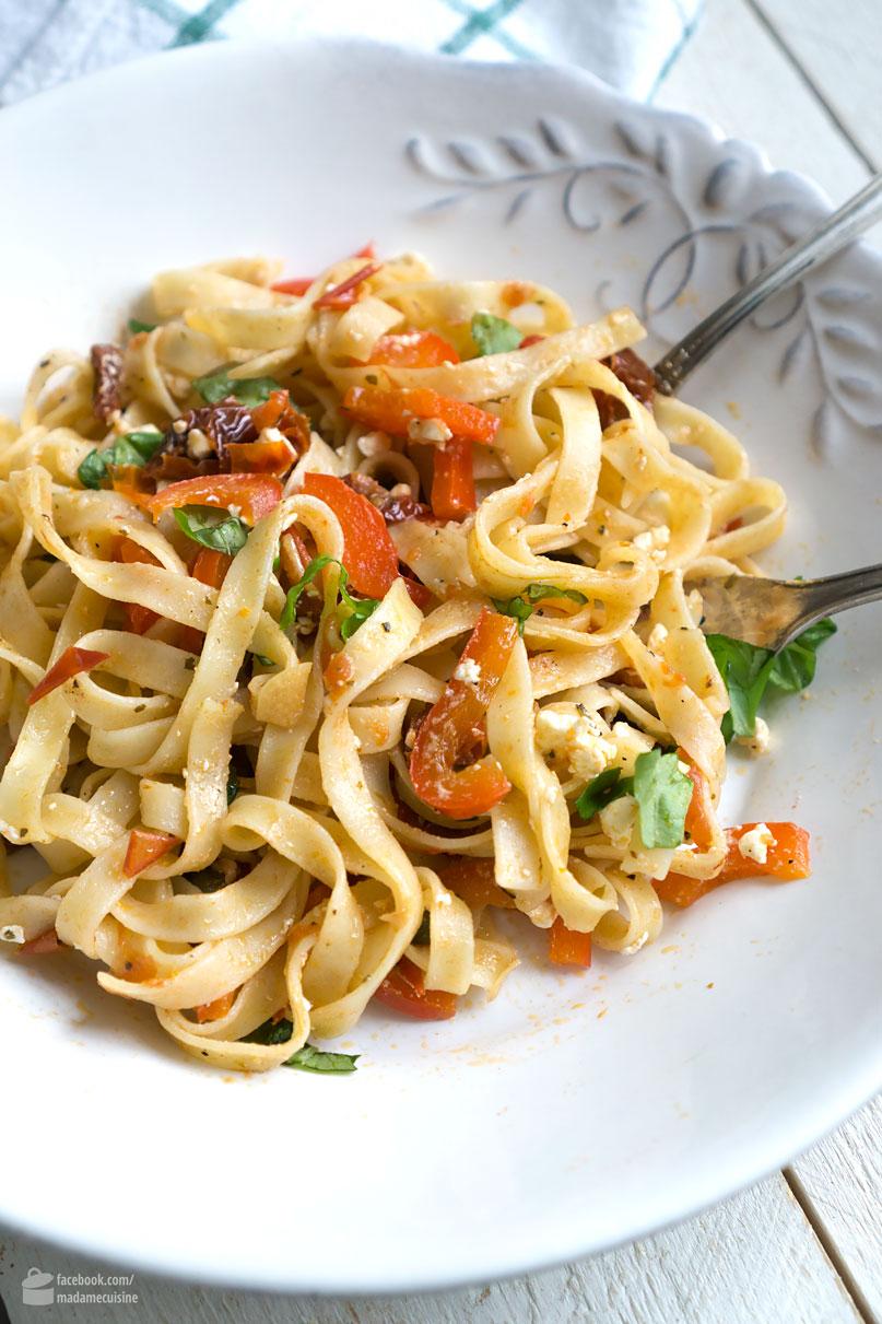 Feierabend-Pasta mit Paprika & getrockneten Tomaten | Madame Cuisine Rezept
