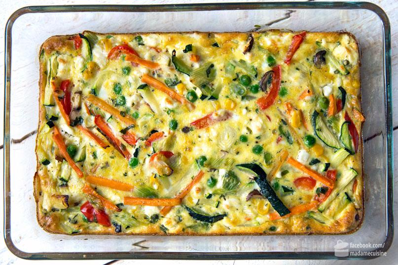 Gemüse-Frittata mit Blattsalat | Madame Cuisine Rezept