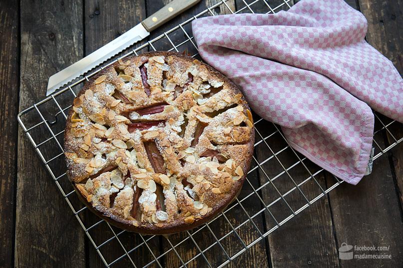 Rhabarberkuchen mit Mandeln, besser geht's kaum | Madame Cuisine Rezept