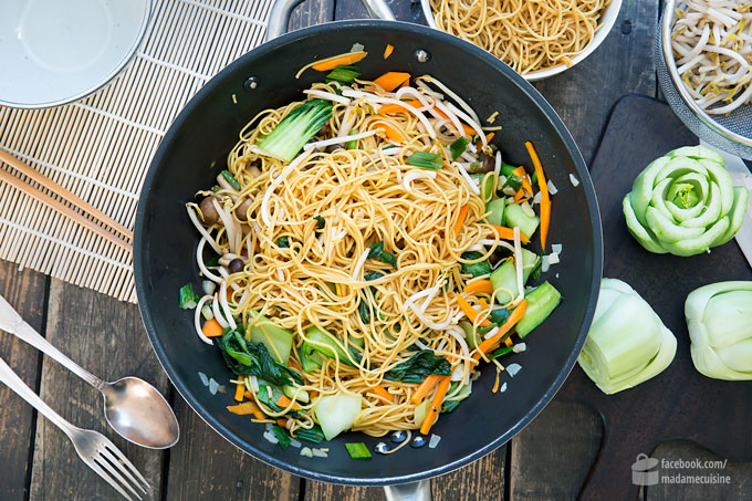 Gebratene Nudeln (Chow Mein) vegetarisch | Madame Cuisine Rezept