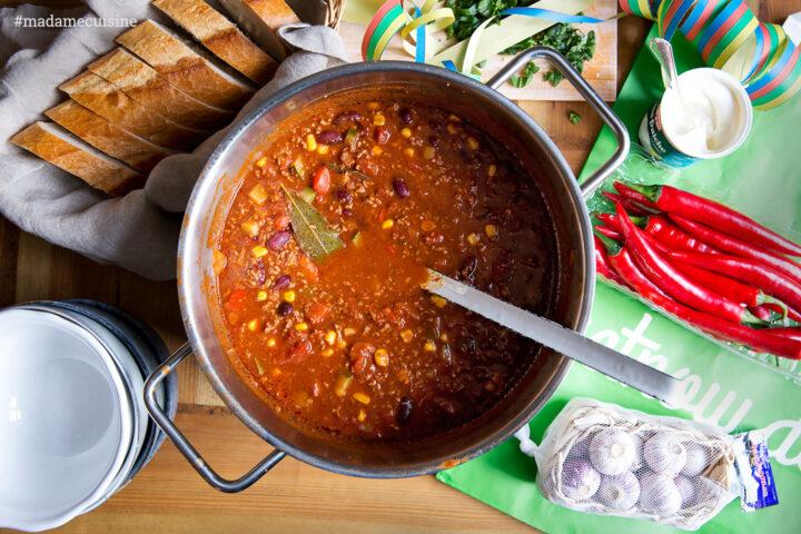 Chili con Carne: Perfekter Party-Eintopf | Madame Cuisine Rezept
