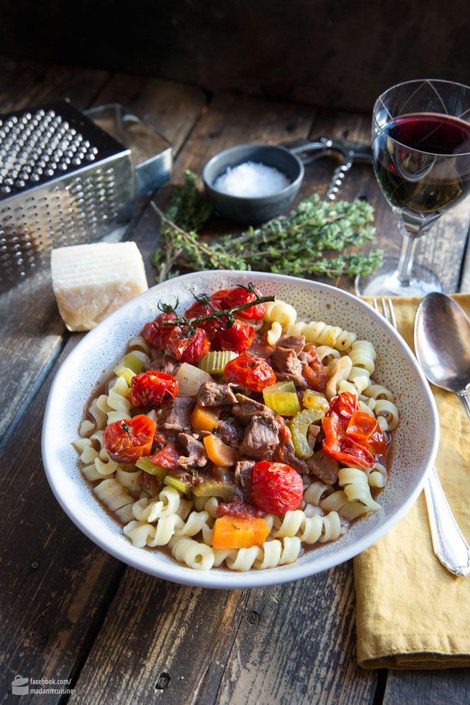 Lammragout mit gebackenen Tomaten | Madame Cuisine Rezept