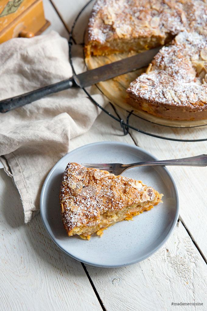 Aprikosenkuchen mit Mandeln: Saftig und süß   Madame Cuisine Rezept