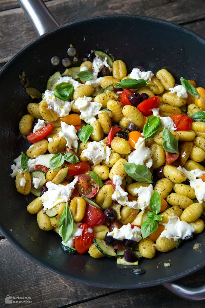Gnocchi-Pfanne mit Gemüse und Mozzarella | Madame Cuisine Rezept