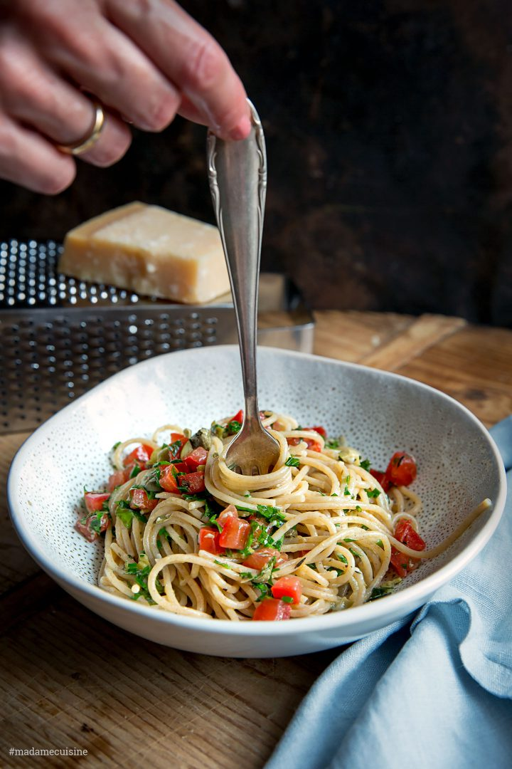 Spaghetti mit kalter Tomatensauce | Madame Cuisine Rezept