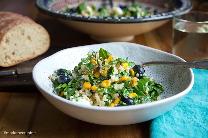 Bulgursalat mit Mais, Rucola & Blaubeeren | Madame Cuisine Rezept