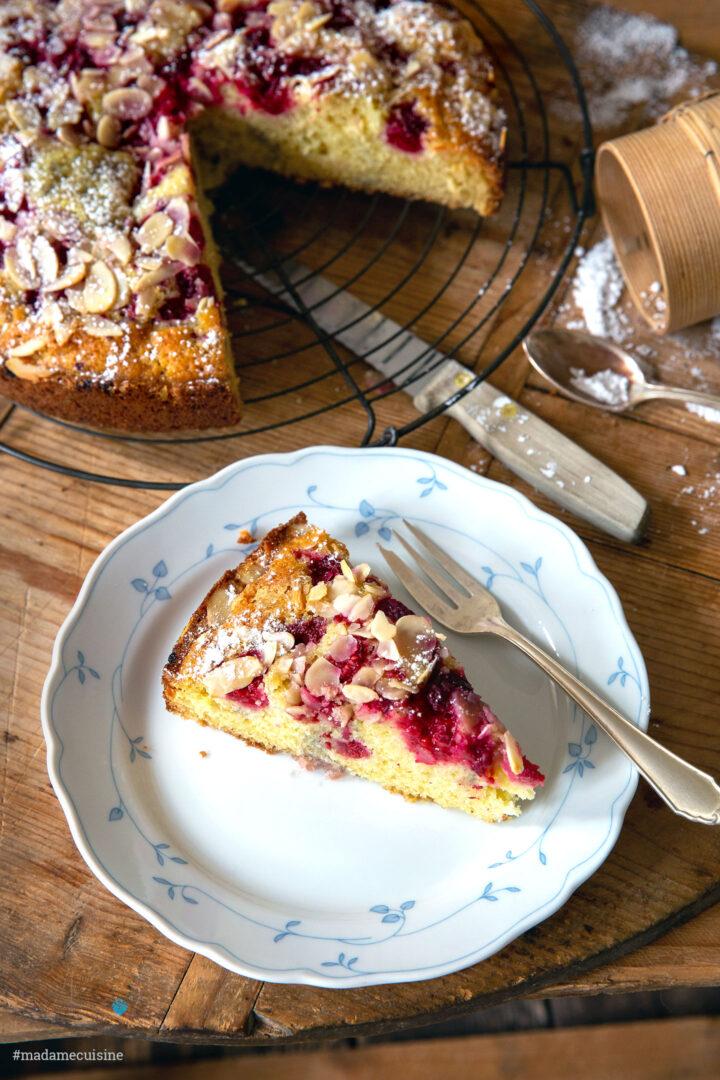 Himbeerkuchen mit Buttermilch & Mandelblättchen | Madame Cuisine Rezept