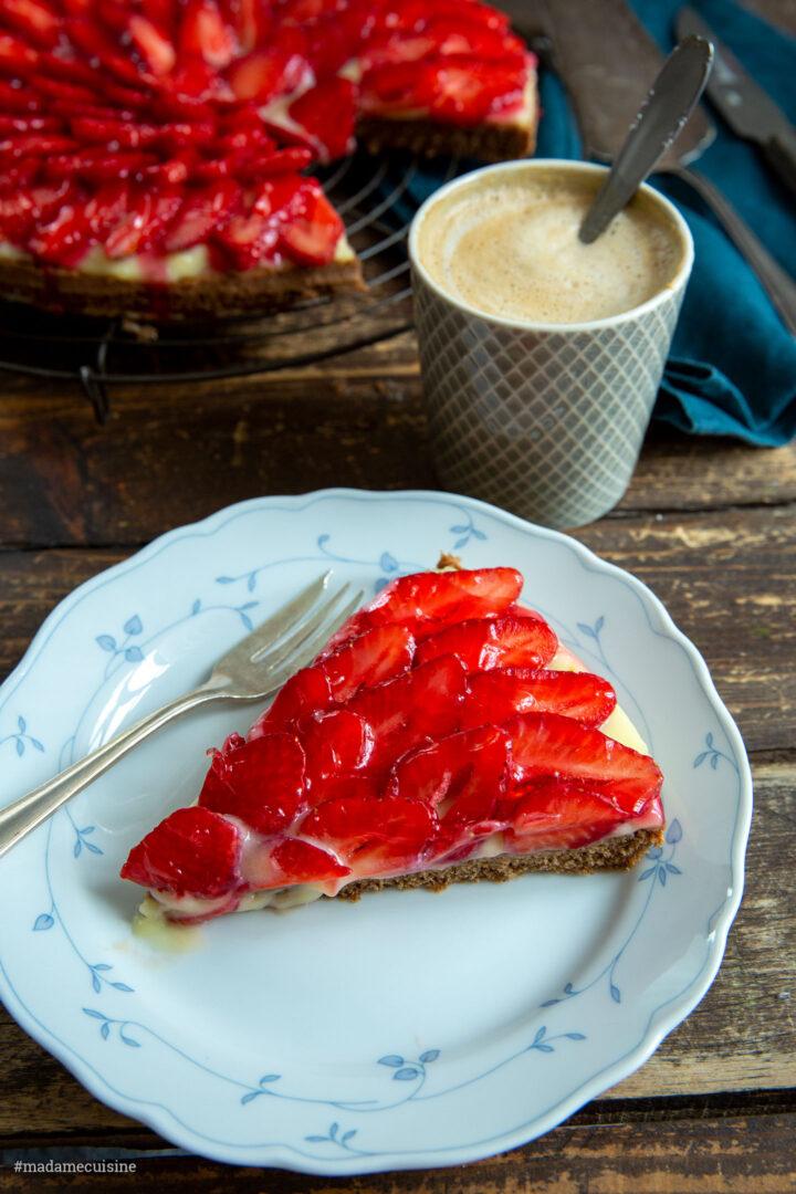Erdbeerkuchen mit Schokoboden und Vanillecreme | Madame Cuisine Rezept